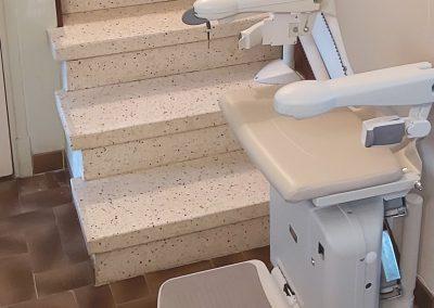 Installation d'un monte-escaliers à Béziers