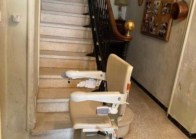 Installation d'un monte-escalier tournant à Mauguio